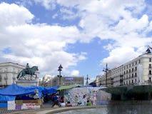 Madrid, demonstratiesystemen in Plaza del Sol Stock Foto