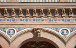 Madrid - detalle de la fachada en Palacio de Velasquez en el parque de Buen Retiro Fotos de archivo