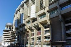 MADRID, ESPAÑA - 21 DE ENERO DE 2018: Opinión exterior Santiago Bernabeu Stadium en la ciudad de Madrid Foto de archivo libre de regalías