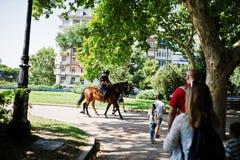 Madrid, Espagne - 24 août 2017 : Police de cheval aux rues de Madr Photos libres de droits