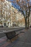 MADRID, ESPAGNE - 21 JANVIER 2018 : Bâtiment et rue typiques dans la ville de Madrid Photo libre de droits