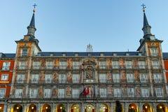 MADRID, ESPAGNE - 22 JANVIER 2018 : Maire de plaza avec la statue du Roi Philips III à Madrid Photos stock
