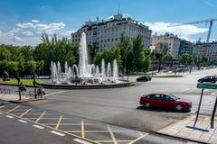 Madrid, Espagne - 17 juin : place de fontaine d'eau sur les rues o photographie stock libre de droits