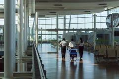 Madrid-Flughafen mit Personal Stockbilder
