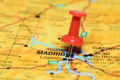 Madrid ha appuntato su una mappa di Europa immagine stock libera da diritti
