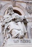 Madrid - Heilige Isidore van Sevilla van Portaal van Nationaal Archeologisch Museum stock foto