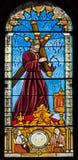 Madrid - Jesus Christ under kors från fönsterruta av kyrkliga San Jeronimo el Real Royaltyfri Bild