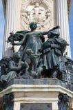 Madrid - La Paz (paz) por Miquel Blay. Estatua en la base central del monumento de Alfonso XII en el parque de Buen Retiro Imagen de archivo libre de regalías