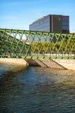MADRID LE 1ER JUILLET 2014 : Rivière de Manzanares, un pont et le Ribera d Photos libres de droits