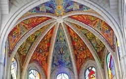 Madrid - moderna freskomålningar från den Santa Maria la Real de La Almudena domkyrkan Royaltyfria Bilder