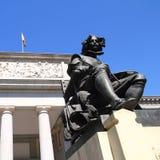 Madrid Museo del Prado con la statua di Velazquez Immagini Stock