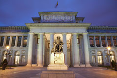 Madrid - Museo Nacional del Prado i afton arkivfoto