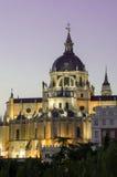 Madrid Royal Palace door Zonsondergang Royalty-vrije Stock Foto's