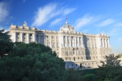 Madrid-- Royal Palace-Fassade Stockbild