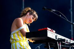Oh Wonder alt-pop band perform in concert at Dcode Music Festival Stock Photography