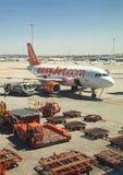 MADRID, SPAGNA - 28 MAGGIO 2014: Interno dell'aeroporto di Madrid, aeroplano pronto a partire Immagine Stock