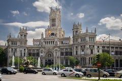 MADRID, SPAGNA - 13 MAGGIO 2009: Ufficio postale centrale - Palacio de Comunicaciones al quadrato di Cybele, Madrid, Spagna Fotografia Stock