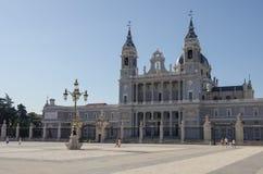 Madrid, Spagna Santa Maria la Real de La Almudena Cathedral, mare Fotografia Stock