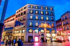 MADRID SPANIEN - 23. JUNI 2015: Desigual-Speicher, Madrid, Spanien Lizenzfreies Stockbild