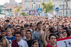 Madrid, Spanien - 26. Oktober 2016 - Studenten, die am Protest gegen Bildungspolitik in Madrid, Spanien marschieren Lizenzfreie Stockfotografie