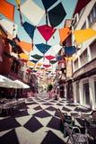 Madrid, Spanje 25 Juli, van achtergrond 2014 kleurrijke stratendecoratie Stock Afbeelding