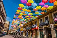 Madrid, Spanje 25 Juli, van achtergrond 2014 kleurrijke stratendecoratie Stock Foto