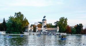 MADRID, SPANJE - OKTOBER 14, 2012: Monument aan Alfonso XII in Th Royalty-vrije Stock Foto