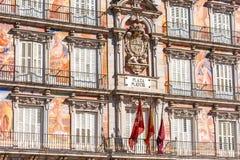 MADRID, SPANJE - SEPTEMBER 26, 2017: Mening van de Royal Palace-bouw Close-up Royalty-vrije Stock Afbeeldingen