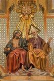 Madrid - statua di trinità santa dall'altare laterale della cattedrale di Almudena sopra Fotografia Stock Libera da Diritti