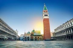 Madrugada en el cuadrado de San Marco, Venecia, Italia Foto de archivo