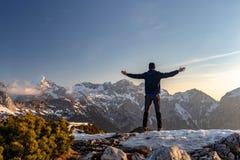 Madrugada en las montañas de Kamnik Savinja foto de archivo libre de regalías