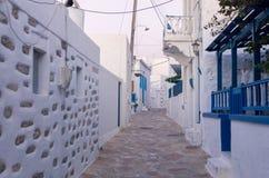 Madrugada en una calle en la isla de Ano Koufonisi, Cícladas Foto de archivo libre de regalías