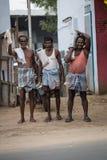 MADURAI INDIA-FEBRUARY 15: Indisk arbetare på Februari 15, 2013 I Fotografering för Bildbyråer