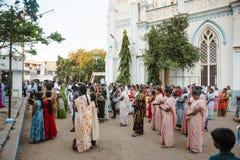23 Madurai Luty 2018, India tłum indyjscy chrześcijanie ono modli się w świętego ` s Maryjnym Katolickim Katedralnym kościół Obraz Stock