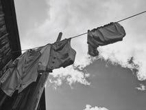 Madure a la mujer que hace el lavadero Fotos de archivo