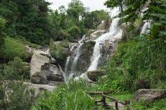 Mae Klang siklawa przy Doi Inthanon parkiem narodowym, Chiang mai, Th zdjęcie stock