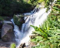Mae Klang Waterfall i Chiang Mai Province, Doi Inthanon Thailand Royaltyfria Bilder