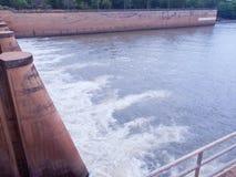 Mae Klong水坝 免版税库存图片