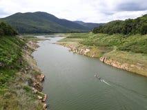 Mae Kuang Dam Es ist ein sehr guter und ruhiger Platz mit schöner Natur stockbilder