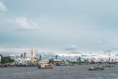 Mae Nam Chao Phraya-rivier in Bangkok stock foto
