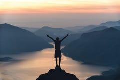 Mae Ping-het punt van de riviermening Berg en meer bij zonsopgang Royalty-vrije Stock Fotografie