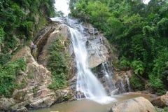 Mae Tia瀑布在Ob Luang国家公园,清迈,泰国 免版税库存图片