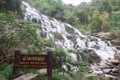 Mae Ya siklawa popularny miejsce w Chiang Mai, Tajlandia Zdjęcia Stock