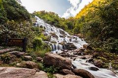 Mae Ya siklawa przy Doi Inthanon parkiem narodowym, Chiangmai, Tajlandia Obraz Stock