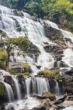 Mae Ya Wasserfall Lizenzfreie Stockfotos