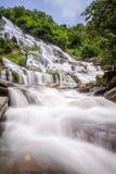 Mae Ya Wasserfall Stockfoto