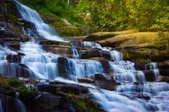Mae-ya Wasserfall im chiangmai Thailand Stockfotografie