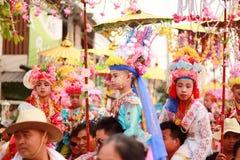 Maehongson Tailandia de Pai El Poi cantó festival largo 3 Apirl 2016 imagen de archivo libre de regalías