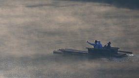 MAEHONGSORN TAILANDIA - ENERO 24,2017: turista que transporta en el lago del ung de la punzada la mayoría del destino que viaja d