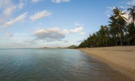 Maenam海滩,苏梅岛,泰国 免版税图库摄影
